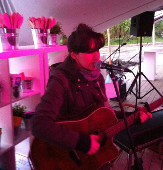 Optreden van Eefje Visser op avond van de Erfgooiers Business Club